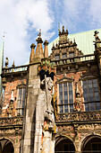 Roland Defender of Bremen,with the Rathaus behind. Bremen Am Markt, - Stock Image - E6W2BW