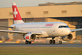Swiss International Air Lines Airbus A319-112 at London Heathrow Airport - Stock Image - ATMRP6