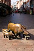 Pigs sculpture in Sogestrasse, Bremen, Germany - Stock Image - E744KM