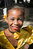 Girls getting ready for a performance in the streets of La Habana, Cuba, Caribbean. - Stock Image - BYRWGJ