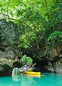 Kayaking in Phang Nga Bay, Thailand - Stock Image - BBK0FR