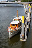 "Motor yacht ""Nevada"" on the Schlachte embankment, Bremen, Germany - Stock Image - E6RAWR"