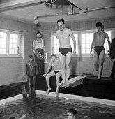 Rehabilitation- the work of Queen Mary's Hospital, Roehampton, London, England, UK, 1944 D18149 - Stock Image - D9434X