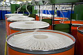 India Indore , Mahima Fibres Ltd. spinning mill produce cotton yarn from organic and fair trade cotton - Stock Image - B70F5K
