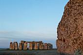 England, Wiltshire, Stonehenge - Stock Image - CPFBNE