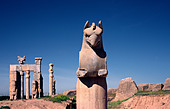 April 14, 2006 - Griffin at the Gate of All Nations, gateway to the ancient ruins of Persepolis near Shiraz in Iran - Stock Image - AC2G7R