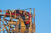 Sweden, Goteborg, Rollercoaster, Liseberg Amusement Park - Stock Image - AE0P1F