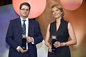 Cologne, Germany. 28th Oct, 2015. The award winners, British journalist Eliot Higgins and ZDF journalist Marietta Slomka, pose during the Hanns Joachim Friedrichs Award ceremony in Cologne, Germany, 28 October 2015. Photo: HENNING KAISER/dpa/Alamy Live News - Stock Image - F57HPX