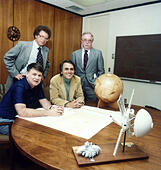 Carl Sagan, seated right, Planetary society founders, Founding of the Planetary Society Carl Sagan, Bruce Murray and Louis Friedman, the founders of The Planetary Society at the time of signing the papers formally incorporating the organization. The fourth person is Harry Ashmore - Stock Image - KWDMRE