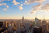 Aerial view of Manhattan skyline with the Empire State Building from Top of the Rock, New York City. - Stock Image - DT53N4