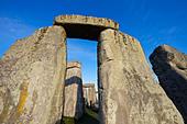 England, Wiltshire, Stonehenge - Stock Image - CPFBWR