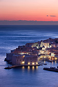 old town harbour dusk Dubrovnik Dalmatia Croatia - Stock Image - B8AHX7