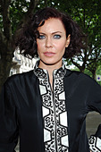 Linzi Stoppard models the world's most expensive abaya. The diamond-encrusted Islamic dress, designed by couture designer - Stock Image - C0H18H