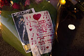 Goring, UK. 26th Dec, 21016.  Flowers, candles and words of sympathy were left outside George Michael's home in Goring. George Michael passed away yesterday.© Pete Lusabia/Alamy Live News - Stock Image - HF0C94