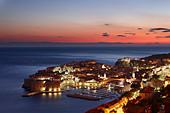 old town harbour dusk Dubrovnik Dalmatia Croatia - Stock Image - B8AHXH