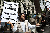 Pro Sharia Law Demonstration outside Downing Street, London, UK, 20 June 2010 - Stock Image - BMW43D