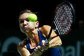 Tennis - BNP Paribas WTA Finals - Singapore Indoor Stadium - 23/10/16 Romania's Simona Help in action during her round robin match Mandatory Credit: Action Images / Lim Yong Teck Livepic EDITORIAL USE ONLY. - Stock Image - HADR9Y