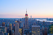 Aerial view of Manhattan skyline with the Empire State Building from Top of the Rock, New York City. - Stock Image - DT53NW