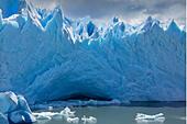 Ice cave, Perito Moreno glacier, Lago Argentino, Los Glaciares National Park, near El Calafate, Patagonia, Argentina - Stock Image - C90G26