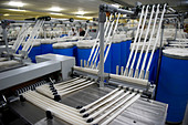 India Indore , Mahima Fibres Ltd. spinning mill produce cotton yarn from organic and fair trade cotton - Stock Image - B72XDH