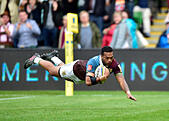 London, UK. 8th October, 2016.  Alofa Alofa of Harlequins scored a try during Aviva Premiership Rugby game between Harlequins and Northampton Saints at Twickenham Stoop on Saturday. © Taka Wu/Alamy Live News - Stock Image - H3GMXM