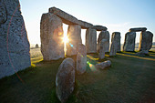 England, Wiltshire, Stonehenge - Stock Image - CPFBRE