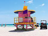 Art Deco style lifeguard station  on South Beach Miami - Stock Image - BC531M