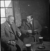 Wartime Pub- Everyday Life at the Wynnstay Arms, Ruabon, Denbighshire, Wales, UK, 1944 D18485 - Stock Image - D9466K