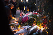 Goring, UK. 26th Dec, 21016.  Flowers, candles and words of sympathy were left outside George Michael's home in Goring. George Michael passed away yesterday.© Pete Lusabia/Alamy Live News - Stock Image - HF0C98