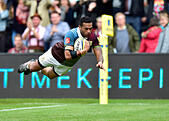 London, UK. 8th October, 2016.  Alofa Alofa of Harlequins scored a try during Aviva Premiership Rugby game between Harlequins and Northampton Saints at Twickenham Stoop on Saturday. © Taka Wu/Alamy Live News - Stock Image - H3GMXF