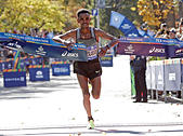 Ghirmay Ghebreslassie of Ethiopia crosses the finish line to win the mens field of the 2016 New York City Marathon in Central Park in the Manhattan borough of New York City, New York, U.S. November 6, 2016. REUTERS/Mike Segar - Stock Image - H9TX4X
