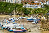 Boats in the picturesque harbour of Newquay in Cornwall, UK - Stock Image - HEYKJF