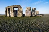 England, Wiltshire, Stonehenge - Stock Image - CPFBNT