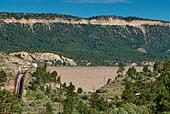 El Vado Dam at Rio Chama near Tierra Amarilla, New Mexico, USA - Stock Image - BY3NAJ