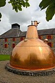 Ireland, County Cork, Old Midleton Distillery, Copper vat - Stock Image - A8H1F4