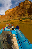 Narrow Canyon, Colorado River, Glen Canyon National Recreation Area, Utah USA - Stock Image - D725HF