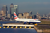 Regional airliner British Airways (BA CityFlyer) Embraer ERJ-190-100LR 190LR at London City Airport, England, UK - Stock Image - CYHJ2P
