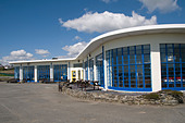 1930 s white art deco modernist architecture building on the seafront Cricieth north wales designed by Clough Williams Ellis - Stock Image - B09MY0