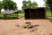 Abandoned homestead in the Gonja triangle, Damango district, Ghana. - Stock Image - BNHEBR