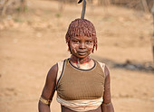 Hamer woman dancing at a bull jumping ceremony near Turmi in the Omo Valley, Ethiopia - Stock Image - DY7FDA
