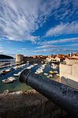 old town harbour Dubrovnik Dalmatia Croatia - Stock Image - B8AHXT