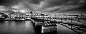 the Pont des Arts, with the Institut de France & Left Bank of the Seine, Paris, France - Stock Image - CPX4KT