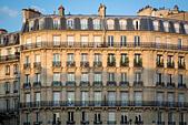 French architecture along River Seine, Paris, Ile-de-France, France - Stock Image - JJG14N