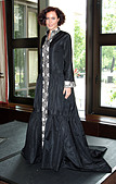 Linzi Stoppard models the world's most expensive abaya. The diamond-encrusted Islamic dress, designed by couture designer - Stock Image - C0HHFJ