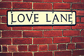 love lane sign on wall - Stock Image - D8TG1A