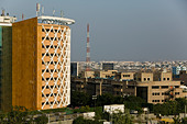 INDIA, Andhra Pradesh, Hyderabad: HITEC CITY, Major center of Indian Software Call Centre Industry. Cybertower Office Building - Stock Image - ANXTJ2