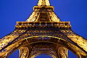 Eiffel Tower at night, Paris France - Stock Image - BDA8M0
