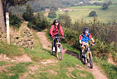 Mountain biking Hayfield Peak District National Park Derbyshire England UK GB - Stock Image - B4FG7X