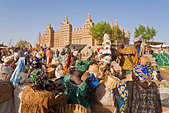 Great Mosque of Djenne, Djenne, Mopti Region, Niger Inland Delta, Mali, West Africa - Stock Image - BBTWMM