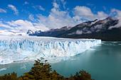 Perito Moreno glacier, Lago Argentino, Los Glaciares National Park, near El Calafate, Patagonia, Argentina - Stock Image - C90G1R